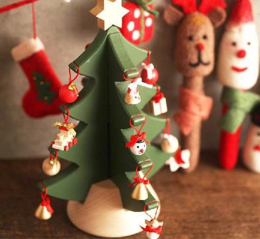 クリスマス 【可愛い木製卓上ツリー☆4段モチーフツリー 】人気商品 [クリスマスツリー] [編集]